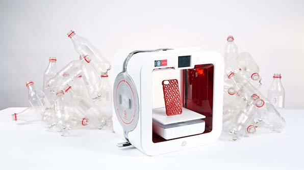 EKOCYCLE Cube une imprimante 3D pour recycler vos déchets en plastique