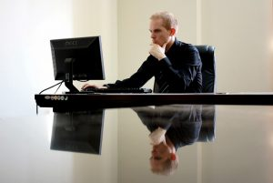 outils technologiques pour surveiller ses employés