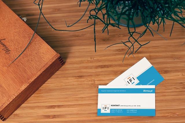 Opter pour une carte de visite pour mieux se présenter et présenter son entreprise